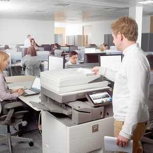 سرویس در محل توسط خدمات نمایندگی شارپ